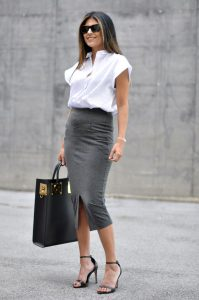 Photo courtesy of http://fashiongum.com/wp-content/uploads/2015/03/10-Ways-To-Wear-A-Pencil-Skirt-For-Work-7.jpg